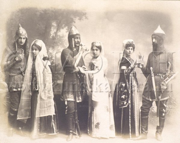 krasnodar-russia-1908-circassian-women-men-traditional-costume-dress-clothing