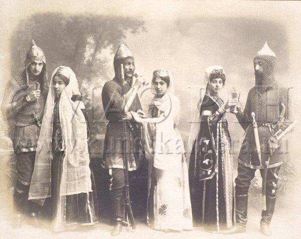 krasnodar-russia-1908-circassian-women-men-traditional-costume-dress-clothing