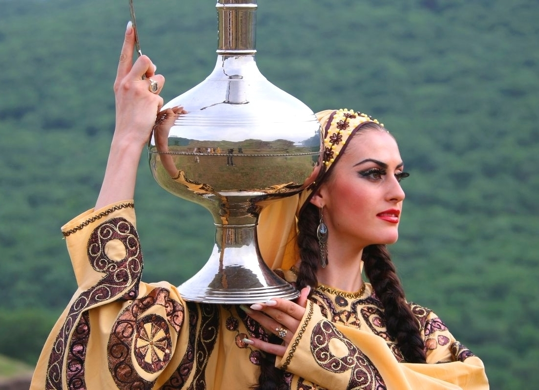National costume of Dagestan: types and description