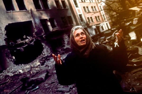 Chechen woman in Grozny Chechnya 1994 war civilian victims Russia